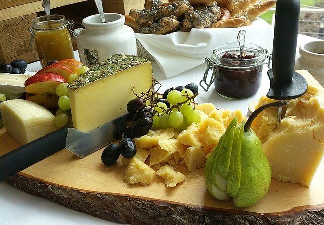 Se sýrem